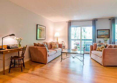 Muskoka Bass Rock Apartment-beautiful home
