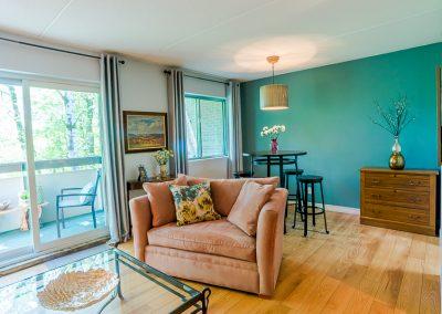 Muskoka Bass Rock Apartment-living dining room