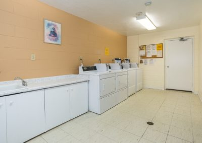 Aubrey Apartment-laundry