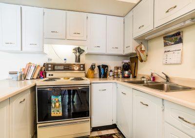Blake Street Apartment-bright kitchen
