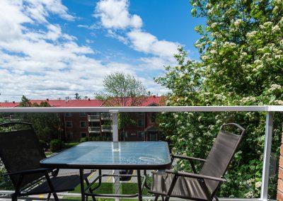 Edgehill Apartment-spacious balconies