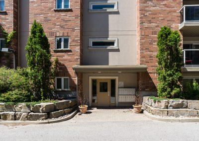 Edgehill Apartment-entrance