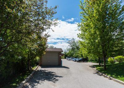 Edgehill Apartment-parking