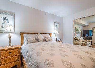 Perth Apt-pristine bedroom