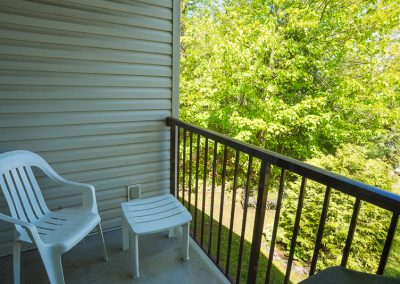 Red Oaks Apartments-private balcony