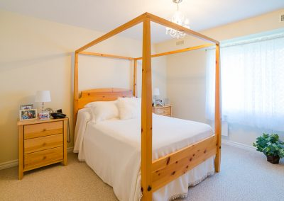 Red Oaks Apartments-bedroom