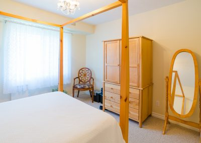 Red Oaks Apartments-bedroom 2